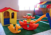Play ground com gira-gira